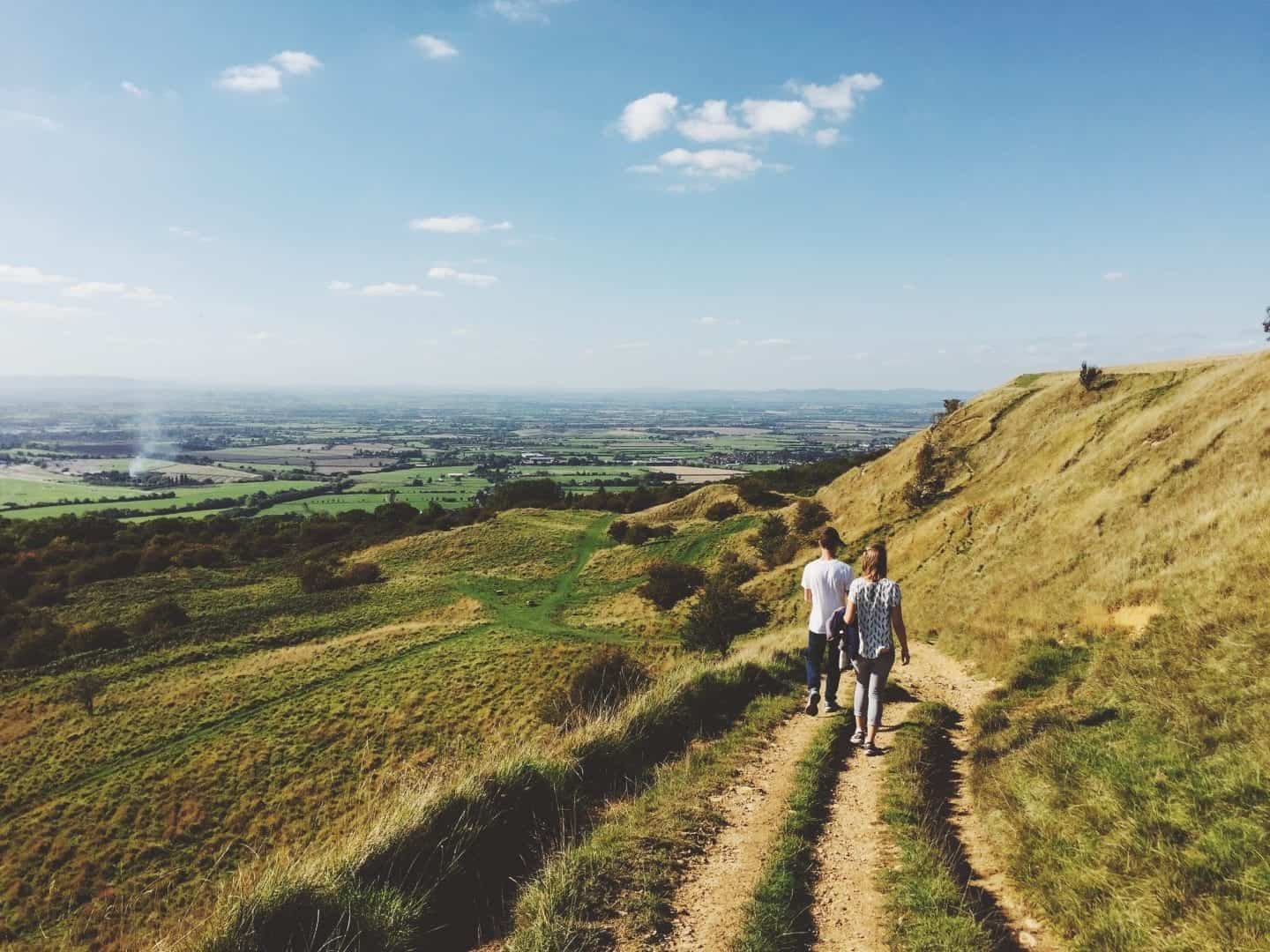 Pros and Cons of Travelling With Friends