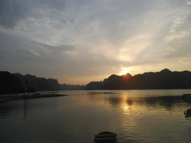 Halong Bay Maketimetoseetheworld.com sunset