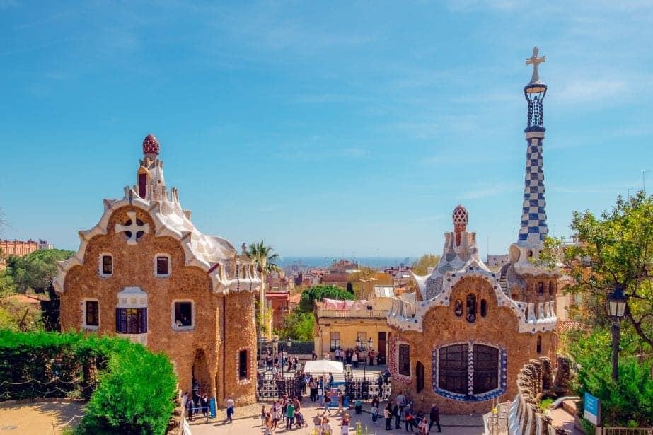 7 Best Hostels in Barcelona You Must Stay in!