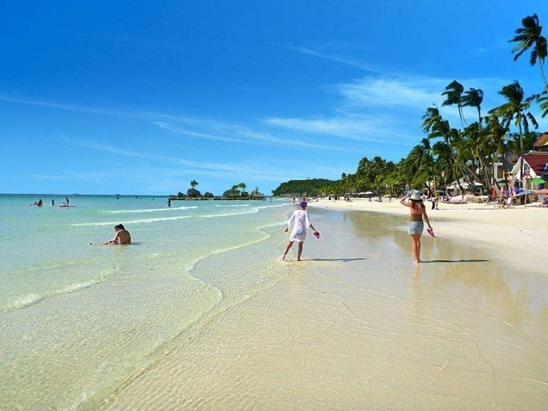 Beautiful Islands in the Philippines You Must See!