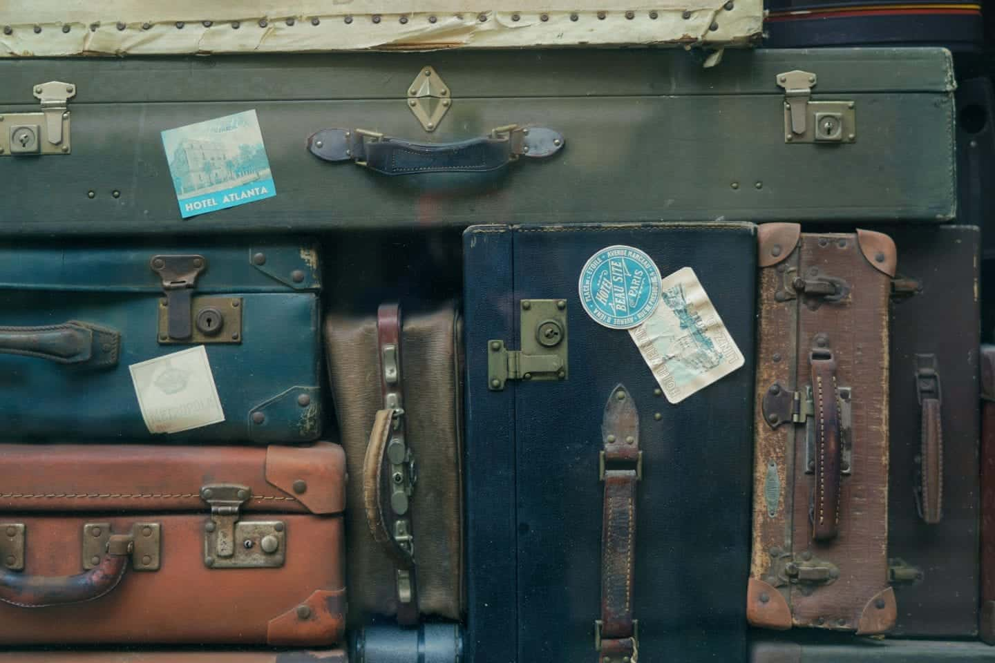 The Ultimate Packing Checklist: What Should You Bring When Travelling with Your Friends?